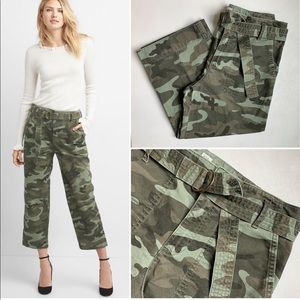 Gap Utility Straight Fit Crop Pants